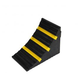 Rubber wheel chock for cars